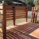 花台付き柱立てと横桟ウッドフェンス