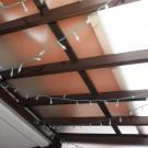 マットタイプの屋根材にしたため、光がやわらかく差し込みます。