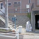 before:古い機能門柱の足元がスペースを取ってしまい、自転車を置くと通路が狭くなっていました。