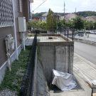 befpre:階段上から見下ろしたアプローチ。土間や枡も古めかしい。
