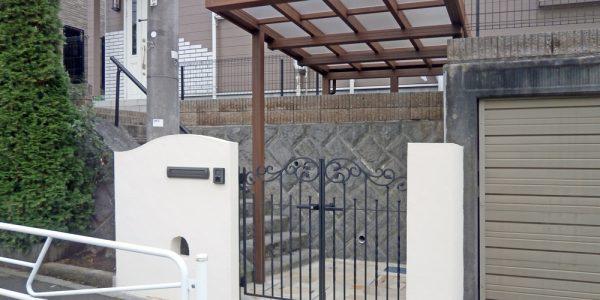 新しい門扉と門袖