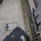 before:庭前の駐車場にある散水栓
