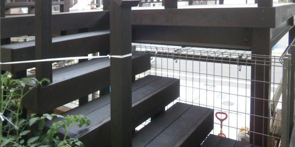 ルーフデッキ階段