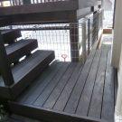 リビング(犬走り)と兼ねているデッキ階段