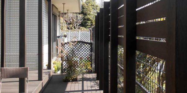 フェンスと新規デッキ