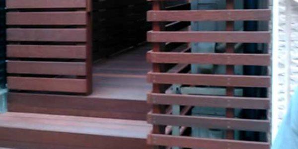 室外機カバーとフェンス