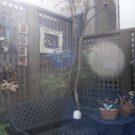庭のコーナーのフェンス