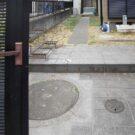 before:門から見たアプローチ
