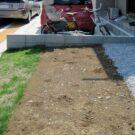 before:庭から駐車場側を見る